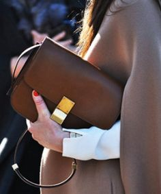 Celine Camel Large Box Bag with gold hardware - Streetstyle pic