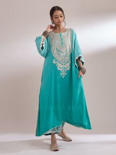 FAARIHA - Heena Kochhar Designer Party Wear Dresses, Desi Clothes, Designs For Dresses, Pakistani Dresses, Indian Wear, Indian Outfits, Couture, Clothes For Women, How To Wear
