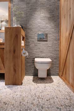 Badkamer | Bathroom ✭ Ontwerp | Design Marijke Schipper Mooie combi, grijs met hout