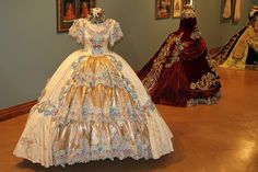 period Ball Gowns designed by Linda Leyendecker Gutierrez and Niti Volpe for the Society of Martha Washington Colonial Pageant and Ball in Laredo, Texas. - Found on Brit Gal in the USA: A visual feast of stunning beauty! Vintage Gowns, Vintage Outfits, Vintage Fashion, Old Dresses, Dance Dresses, Beautiful Costumes, Beautiful Gowns, Victorian Gown, Civil War Dress