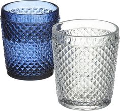 a real sparkler.  Crafted with substantial heft, these prismatic sippers are embossed with a multifaceted texture that reflects light—and the retro glamour of entertaining.  Gives water, cocktails and mocktails brilliant dimension. Soda lime glassEmbossed diamond textureDo not stackHand washMade in China.
