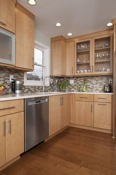 Choosing Your New Kitchen Countertops Birch Kitchen Cabinets, Kitchen Cabinet Design, Kitchen Redo, Home Decor Kitchen, Kitchen Countertops, Home Kitchens, Kitchen Remodel, Kitchen Ideas Light Brown Cabinets, Frameless Kitchen Cabinets