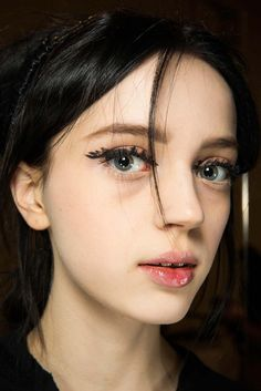 Fendi Fall 2015 Ready-to-Wear - Beauty - Gallery - Style.com