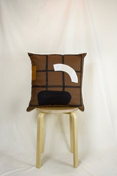 Ink Block, Modern Cushions, Organic Form, Dog Wear, Cushion Pads, Patchwork Ideas, Craft Projects, Textiles, Quilts