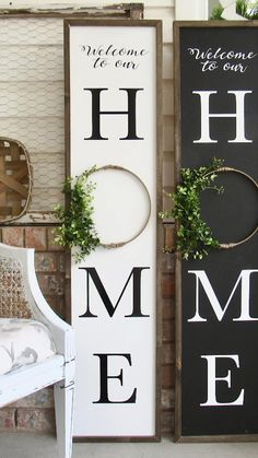 Front Porch Signs, Front Door Decor, Welcome Porch Signs, Diy Front Porch Ideas, Outdoor Welcome Sign, Porch Wall Decor, Summer Porch Decor, Front Porch Makeover, Front Door Christmas Decorations