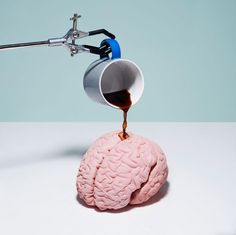 14 Surprising Facts About Caffeine, Explained by Science Does coffee makes you more energetic; and beer more creative for a short while? Brain Art, Mind The Gap, Trends Magazine, Arte Pop, Foto Art, Art Graphique, Still Life Photography, Mj Photography, Photography Magazine