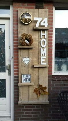 Outside at the front door Also incorporate the exterior lighting The post Outside at the front door The outdoor lighting also … appeared first on Garden ideas - Upcycled Home Decor Diy Pallet Projects, Home Projects, Pallet Ideas, Upcycled Home Decor, Diy Home Decor, Pallet Furniture, Furniture Making, Pallet Creations, Pallet Shelves