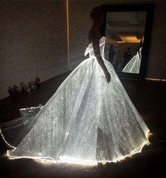 La robe Cendrillon luminescente de cette star va vous rendre forcément jalouse - page 5