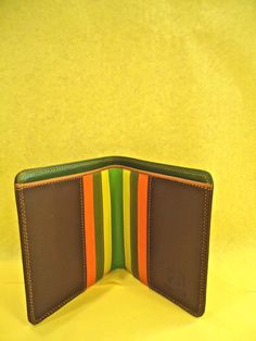 Interior of Bifold standard wallet in Savanna from MyWalit, available at Moods of Florence