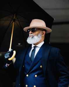 45 Dynamic Black Men Beard Styles 2019 - Fashiondioxide Do you need some inspiration to have that dynamic beard? If yes, then you are at the right place as we have these Dynamic Black Men Beard Styles Sharp Dressed Man, Well Dressed Men, Bart Styles, Black Men Beards, Beard Styles For Men, Mens Fashion Suits, Men's Fashion, Fashion Black, Mens Suits