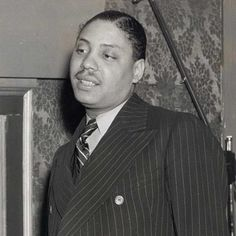 Kansas City bluesman Big Joe Turner (Shake, Rattle & Roll) was born today in 1911