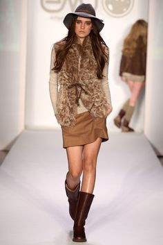 Emu Australia footwear and cold weather accessories. Autumn Winter Fashion, Winter Style, Things To Buy, Stuff To Buy, Emu, Fancy, My Style, Cold Weather, Oregon