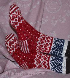 Jorid's Christmas Heart socks by Jorid Linvik - free on Ravelry.com