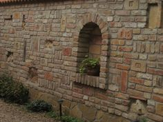 Картинки по запросу Best Ruinenmauer Brick Design, Fence Design, Patio Design, Garden Retaining Wall, Sloped Garden, Backyard Fences, Front Yard Landscaping, Front Gardens, Outdoor Gardens