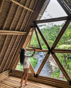 Bamboo has quite a high tensile strength. Apart from this, bamboo has an impermeable protective layer on the outer side which Bamboo Architecture, Sustainable Architecture, Bali, Bamboo House Design, Triangle House, Bamboo Building, Bamboo Structure, Bamboo Construction, Natural Structures