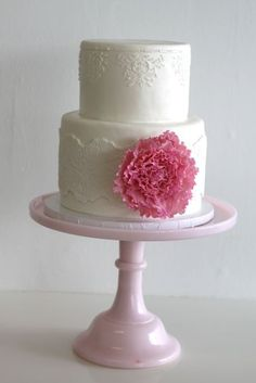 From Emmaline Bride. Perfect Size, just different flower needed #cake