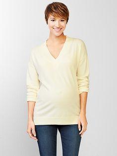Marled V-neck pullover sweater