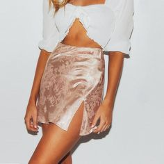 Casual Chic Satin Mini Skirts - ChicBohoStyle – Chic Boho Style Party Rock, Skirt White, Flowy Skirt, Pleated Skirt, Casual Chic, Fancy Crop Top, Short Skirts, Mini Skirts, Mini Skirt Outfits