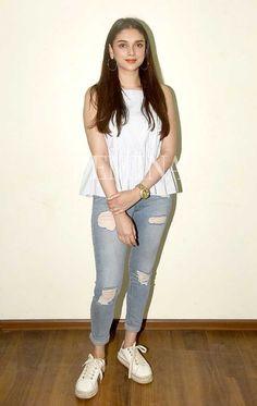 Aditi Rao Hydari Crop Top Outfits, New Outfits, Trendy Outfits, Fashion Outfits, Western Outfits, Western Wear, Kurta Designs Women, Bollywood Girls, Kurti Designs Party Wear