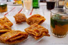 Lo que debes comer en Marruecos en tu primera vez. Chebakias y Té a la menta.