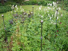 Garden Trellis-Garden Screens-Plant Supports-Free Standing Arbors-Obelisk