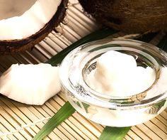 Olej kokosowy może mieć zastosowanie nie tylko kulinarne, ale również w higienie jamy ustnej. Ma właściwości bakteriobójcze, przez co świetnie sprawdza się jako składnik domowej pasty do zębów, w połączeniu z sodą oczyszczoną i ksylitolem.