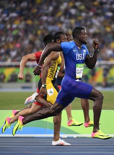 Jamaica's Yohan Blake and USA's Justin Gatlin compete in the Men's Running Pose, Running Track, Yohan Blake, Justin Gatlin, Beast Workout, Field Wallpaper, Usain Bolt, Fastest Man, Olympic Athletes