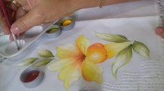 Pintura em Tecido. Aprenda pintar Lírios, Folhas e Fundo.