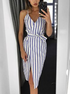 Shop Contraste Stripes Belted Envolvido Vestido Casual – Discover sexy women fashion at Boutiquefeel Source by SouthernBlondeChic dress Casual Dress Outfits, Classy Outfits, Vetement Fashion, Simple Dresses, Long Dresses, Elegant Dresses, Pretty Dresses, Simple Dress Casual, Dresses Dresses