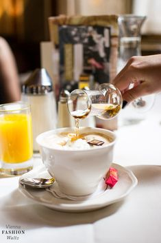 Lokaltipp: Frühstück im Café Central Wiener Melange, Espresso, Latte, Tea, Tableware, Kitchen, Coffeehouse, Vienna, German