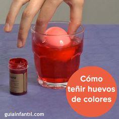 Aprende a teñir huevos de colores con esta manualidad, ¡impresionante! http://www.guiainfantil.com/articulos/ocio/manualidades/como-colorear-huevos-experimentos-para-ninos/