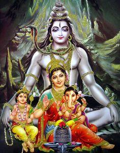 'Om namah shivay 🙏 jai maa Parvati 🙏 jai Ganesh Bhagwan 🙏 jai kartikay Bhagwan 🙏(The Shiva Tribe). Arte Shiva, Shiva Art, Shiva Shakti, Hindu Art, Om Namah Shivaya, Lord Shiva Family, Shiva Statue, Lord Shiva Painting, Shiva Wallpaper