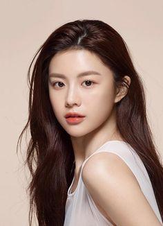 Korean Beauty Girls, Korean Girl, Asian Beauty, Cute Baby Names, Korea Makeup, Female Character Inspiration, Beauty Ad, Selfies, Beautiful Asian Girls