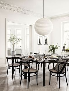 How To Create the Perfect Vintage Dining Room Decor Home Living, My Living Room, Living Room Decor, Bedroom Decor, Hippie Home Decor, Gothic Home Decor, Dining Room Inspiration, Home Decor Inspiration, Decor Ideas