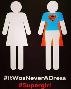 Lo que todos creen un #Vestido realmente es una capa de #SuperHeroe #Chicas SON LO MÁXIMO #ItWasNeverADress #SuperGirl
