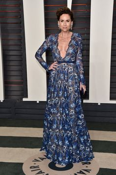 Pin for Later: It's Wall-to-Wall Glamour at Vanity Fair's Oscars Party Minnie Driver Wearing Naeem Khan and Randall Scott fine jewelry.