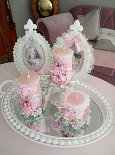 DIY Country Bathroom Decor Ideas Perhaps you think of home improvement work and think that such projects are beyond your capabilities. Estilo Shabby Chic, Shabby Chic Pink, Shabby Chic Style, Shabby Chic Farmhouse, Shabby Chic Crafts, Bougie Rose, Diy Crafts For Girls, Pink Candles, Pearl And Lace