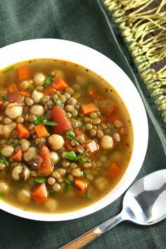 Green Lentil Soup, Chickpea Soup, Lentil Stew, Green Lentils, Lentil Soup Recipes, Vegetarian Recipes, Cooking Recipes, Healthy Recipes, Healthy Soups