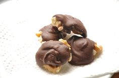No-Bake Chocolate Nut Clusters