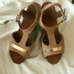 Platform shoes Beautiful tan and gold wedge shoes. In good condition.  Size 8 . High 4 inch. Shoes