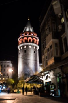 Night in istanbul. Galata Kulesi by Ángel Robles. Travel photography.
