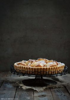 Apple tart with cinnamon cream. Apple Recipes, Cake Recipes, Just Desserts, Delicious Desserts, Good Pie, Key Food, Pastry Shells, Cupcakes, Sweet Pie