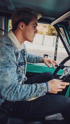 Grayson looks soo hot when he drives