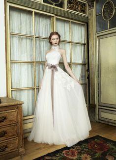 Vestido de novia linea A escote palabra de honor detalle en cuello por Inmaculada Garcia