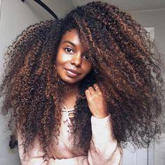 Dark brown curls with caramel highlights black curly hair Big Hair Curls, Big Curly Hair, Curly Hair Styles, Natural Hair Styles, Afro Hairstyles, Trendy Hairstyles, Black Hairstyles, Protective Hairstyles, Long Haircuts