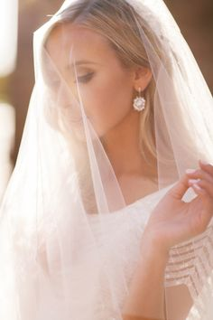 bridal photo shoot, bridal shoot inspo, veil, wedding gown, bridals, nyc bride, nyc wedding