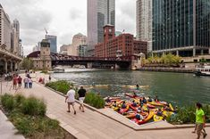 Chicago-Riverwalk_22 « Landscape Architecture Works | Landezine