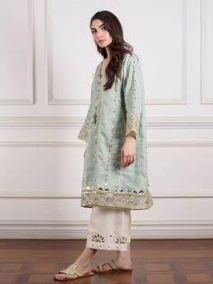 Order contact Order contact my whatsapp number 7874133176 Pakistani Fashion Casual, Pakistani Wedding Outfits, Pakistani Dress Design, Pakistani Dresses, Indian Dresses, Indian Outfits, Indian Fashion, Stylish Dresses, Casual Dresses