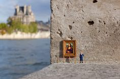 Little People - a tiny street art project: Why is it so hard to find a job? - Guard
