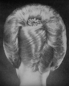 Rolled Hair, Roll Hairstyle, French Twists, Updos, Hair Ideas, Rolls, Beauty, Beautiful, Coiled Hair